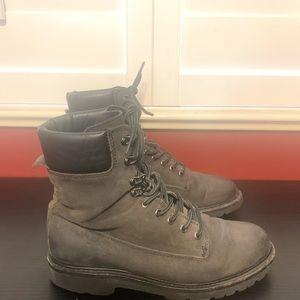 Thursday Boots Explorer Blqck Matte Size 8.5